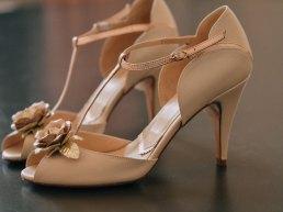 Brautschuh mit Riemchen